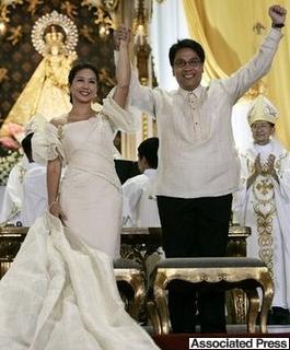 marco_wedding_hands