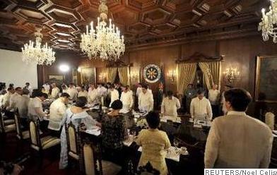 PRESIDENT NOYNOY AQUINO says his Cabinet will undergo a seminar on how